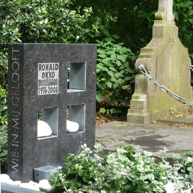 vierkanten in een grafmonument